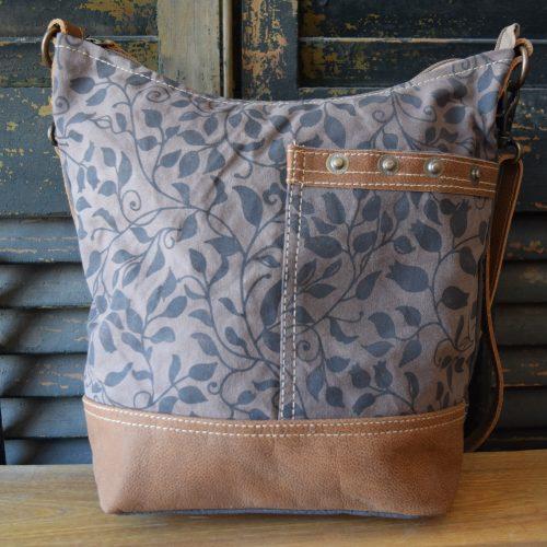 Crossbody Ivy Shoulder Bag