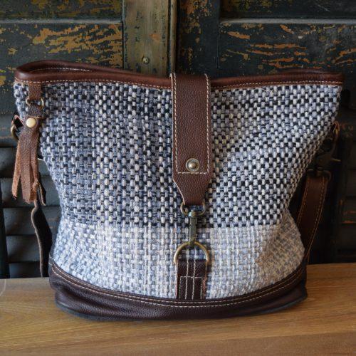 Crossbody Tassel/Clip Shoulder Bag